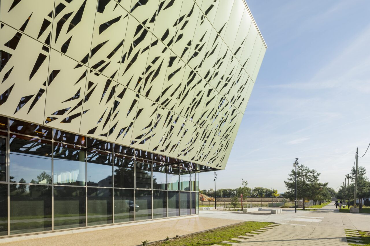 bardage aluminium  bardage alu Halle des sports ArgenteuilTIM Composites