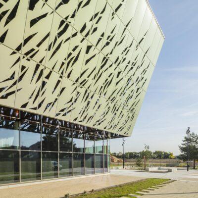 bardage aluminium bardage alu Halle des sports Argenteuil TIM Composites