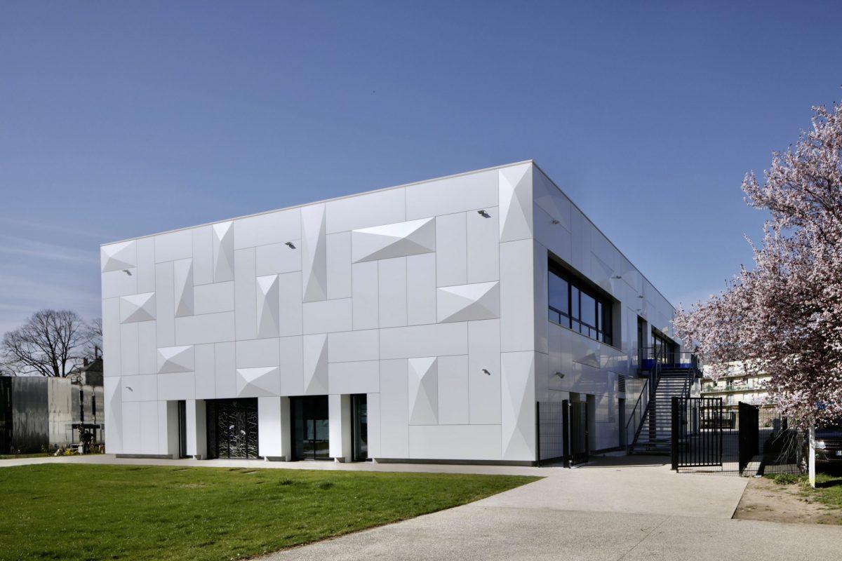 Lycée Notre Dame de Chartres Lycée Notre Dame de Chartres panneaux composites TIM Composites